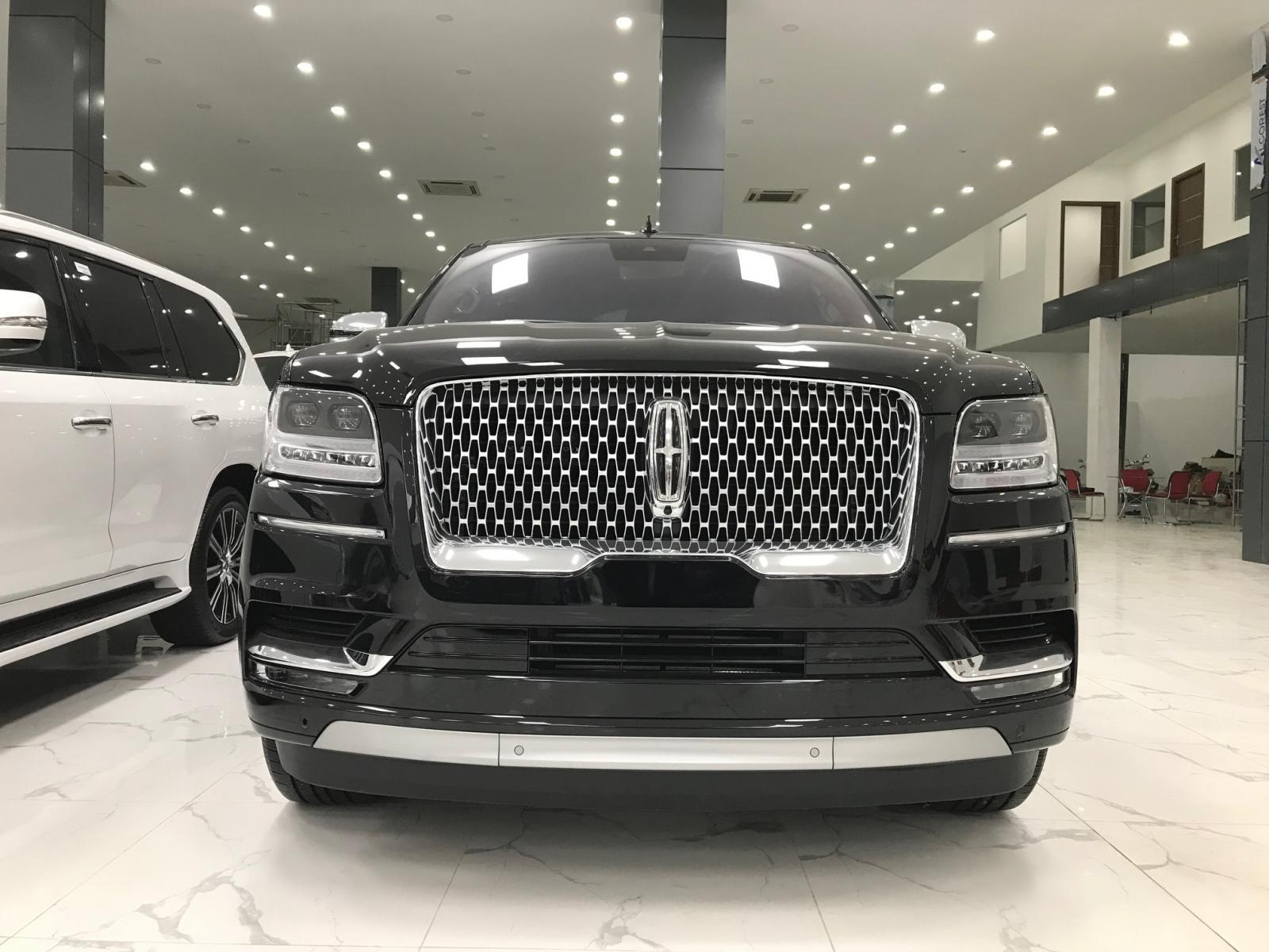 Bán xe Lincoln Navigator Black Labe L mới 100% model 2020-0
