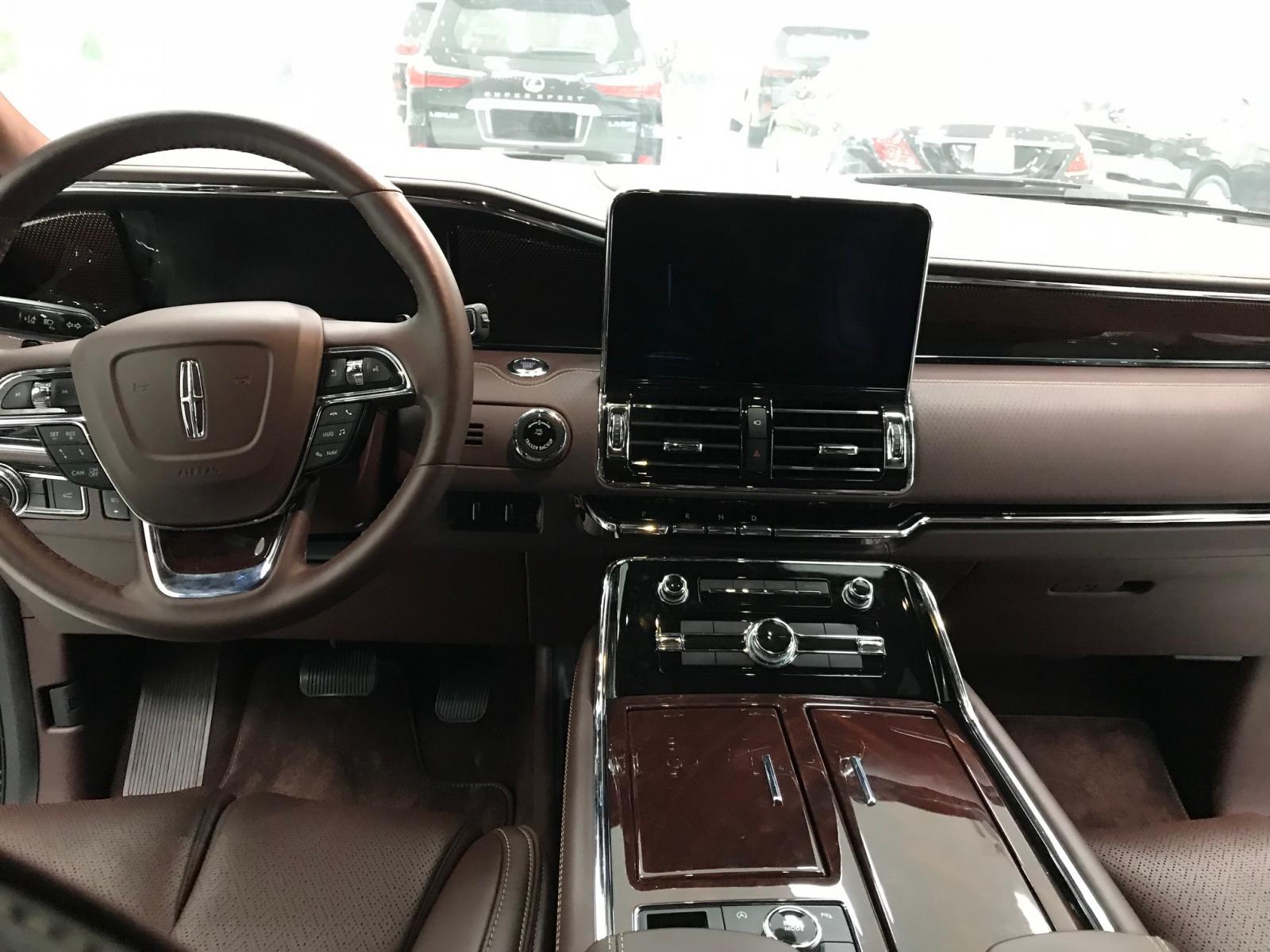 Bán xe Lincoln Navigator Black Labe L mới 100% model 2020-10