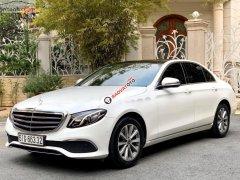 Cần bán Mercedes E200 năm sản xuất 2018, màu trắng chính chủ