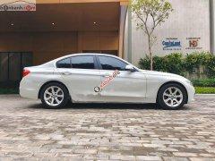 Cần bán gấp BMW 3 Series 320i đời 2017, màu trắng, xe nhập