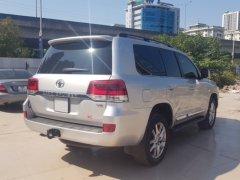 Bán Toyota Landcruiser VX 2016 màu Bạc nội thất kem xe đăng ký 2016 tên công ty