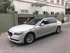 Cần bán xe BMW 750Li 2010 màu trắng nhập Đức, xe nữ chạy kĩ