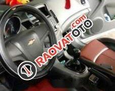 Cần bán gấp Chevrolet Cruze năm sản xuất 2010, màu bạc, giá 315tr
