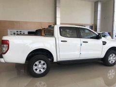 Cần bán Ford Ranger XLS 2.2L AT 2018, màu trắng, nhập khẩu, nguyên chiếc cùng các khuyến mãi khủng