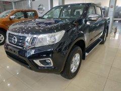 Nissan Navara bán xe chạy tết