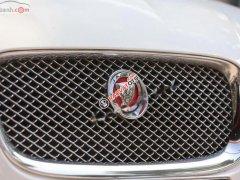 Bán Jaguar XF 2.0 AT năm 2014, màu trắng, nhập khẩu