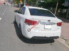 Cần bán xe Kia Forte 1.6AT màu trắng 2010, xe gia đình ít sử dụng còn rất mới