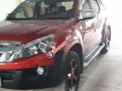 Cần bán Isuzu Dmax màu đỏ, sản xuất 2015, số tự động, bản 2 cầu