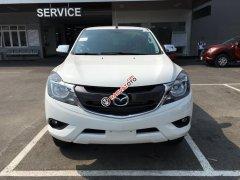 Mazda Gia Lai bán xe BT-50 2.2 MT, màu trắng, xe có sẵn giao ngay