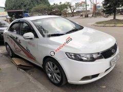 Cần bán xe Kia Forte sản xuất 2011, màu trắng, giá 335tr