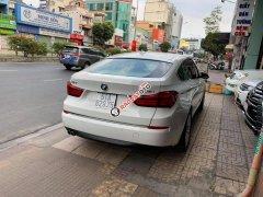 Cần bán gấp BMW 528 GT Series đăng ký lần đầu 2014, màu trắng xe nhập