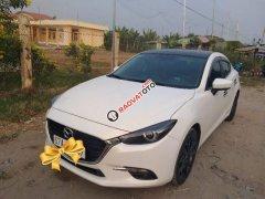 Cần bán lại xe Mazda 3 đời 2017, màu trắng, nhập khẩu như mới