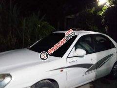 Bán xe Daewoo Nubira đời 2000, màu trắng, giá tốt