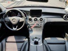 Cần bán gấp Mercedes C200 sản xuất năm 2018, màu đen