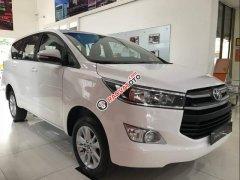 Bán xe Toyota Innova 2.0E MT đời 2019, màu trắng, giá 741tr