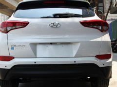 Cần bán Hyundai Tucson 2018, màu trắng