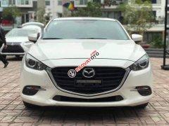 Bán Mazda 3 Facelift 2018, màu trắng, giá chỉ 680 triệu