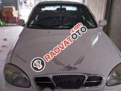 Cần bán gấp Daewoo Lanos năm sản xuất 2001, màu trắng chính chủ