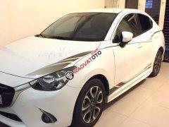 Cần bán xe Mazda 2 2016, màu trắng số tự động, giá chỉ 475 triệu