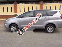 Cần bán lại xe Toyota Innova sản xuất 2016, màu bạc, nhập khẩu