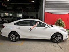 Cần bán Kia Cerato Deluxe sản xuất 2019, màu trắng giá cạnh tranh
