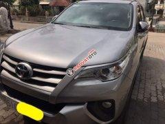 Cần bán Toyota Fortuner sản xuất 2017, màu bạc ít sử dụng