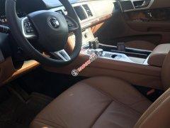 Bán Jaguar XF Premium Luxury 2.0 đời 2016, màu đen, xe nhập