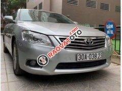 Bán Toyota Camry 2.0 năm 2011, màu bạc, nhập khẩu xe gia đình