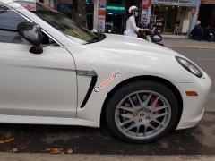 Cần bán xe Porsche Panamera Turbo S đời 2010, màu trắng, nhập khẩu