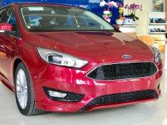 Ford Focus - đừng nghe mà hãy lái thử