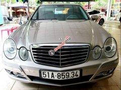 Cần bán Mercedes E200 sản xuất năm 2008, xe gia đình