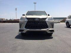 Giao ngay Lexus LX570 Super Sport S sản xuất 2019 màu Vàng Cát nội thất hai màu. Xe nhập mới 100%