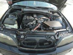 Gia đình tôi cần bán 1 xe BMW 4 máy 2.0L, sản xuất năm 2004, chạy 8L/100Km