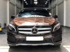 Cần bán Mercedes GLA250 đời 2016, màu nâu, xe gia đình, xe như mới