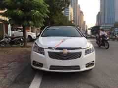 Cần bán xe Chevrolet Cruze 1.8 LTZ 2015, màu trắng