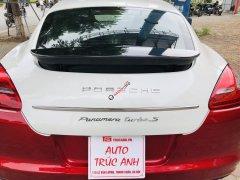 Porsche Panamera 4S, cực kỳ thể thao và sang trọng