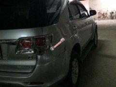 Cần bán Toyota Fortuner 2.5G 2013, màu bạc, xe gia đình