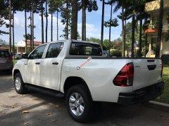 Bán Hilux E dầu 622tr, hỗ trợ vay 80% xe