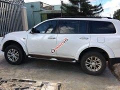 Cần bán gấp Mitsubishi Pajero Sport năm sản xuất 2016, màu trắng xe gia đình