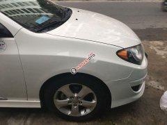 Bán ô tô Hyundai Avante năm 2011, màu trắng xe gia đình
