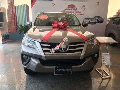 Cần bán xe Toyota Fortuner sản xuất 2019, màu bạc
