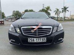 Cần bán Mercedes E200 năm 2009, màu đen, xe nhập, giá tốt