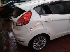Cần bán lại Ford Fiesta sản xuất 2015, màu trắng, chính chủ