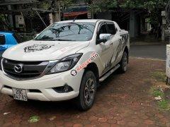 Cần bán Mazda BT 50 2.2 sản xuất năm 2016, màu trắng, nhập khẩu nguyên chiếc, giá tốt
