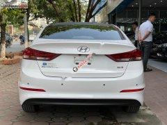 Cần bán xe Hyundai Elantra 1.6AT đời 2016, màu trắng, giá chỉ 575 triệu