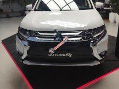 Cần bán Mitsubishi Outlander 2.0 CVT Premium sản xuất 2019, màu trắng