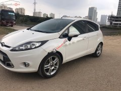 Cần bán lại xe Ford Fiesta sản xuất năm 2013, màu trắng xe nguyên bản còn mới