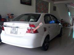 Cần bán lại Daewoo Gentra đời 2008, màu trắng, xe gia đình