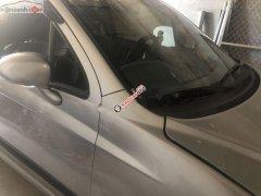 Cần bán xe Chevrolet Spark LT 0.8 MT năm sản xuất 2011, màu bạc