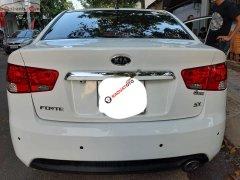 Cần bán xe cũ Kia Forte SX 1.6 AT đời 2010, màu trắng, giá tốt